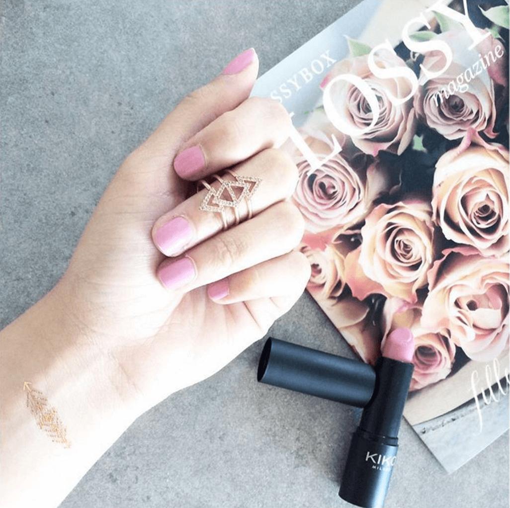 fahramineuse - makeupbyazadig - nails