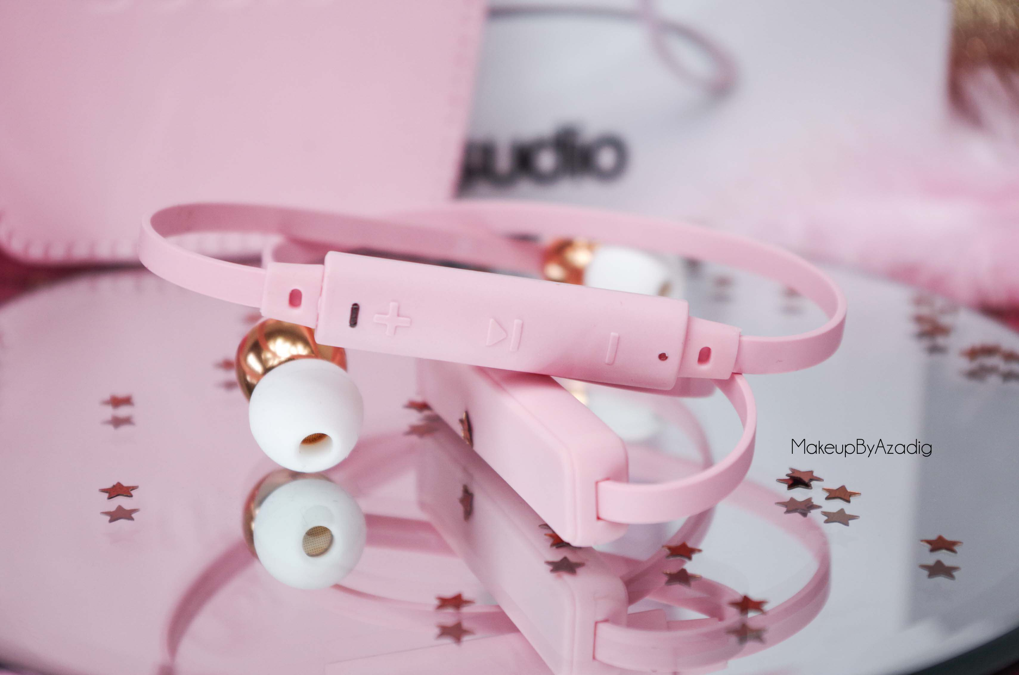 ecouteurs-casque-sans-fil-bluetooth-design-tendance-sudio-sweden-rose-vasa-bla-makeupbyazadig-avis-prix-blog