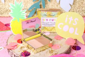 Duo bronzeur et highlighter « Pineapple Paradise » Tutti Frutti de TOO FACED