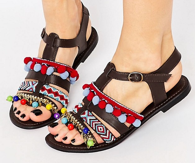 sandales pompons asos makeupbyazadig