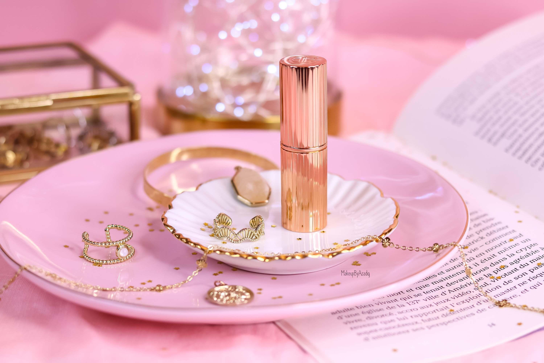revue-rouge-levres-matte-revolution-charlotte-tilbury-sananas-makeupbyazadig-pillow-talk-avis-prix-swatch-packaging